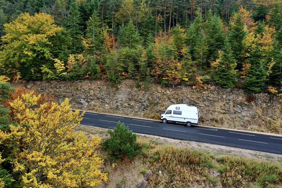 ¿Cuántos kilómetros puedo recorrer con la furgoneta  o autocaravana camper que he alquilado?